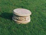 Sokkel  – Marmor  rund med mønster